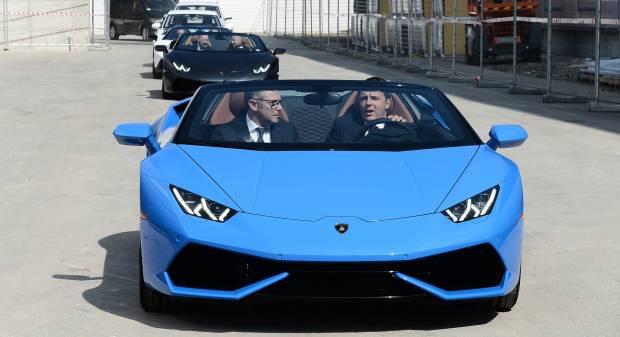 Lamborghini Il premier Renzi in visita a Sant'Agata