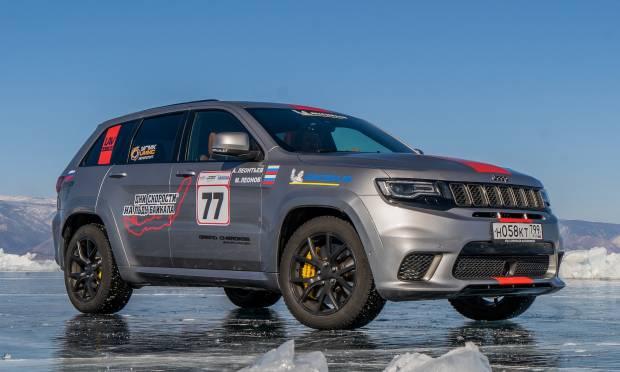 Record sul ghiaccio: la Trackhawk a 280 km/h - VIDEO