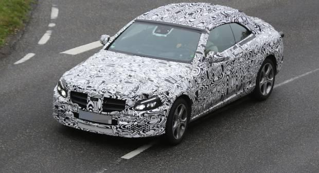Mercedes-Benz Classe C Cabrio Nuove foto del prototipo su strada