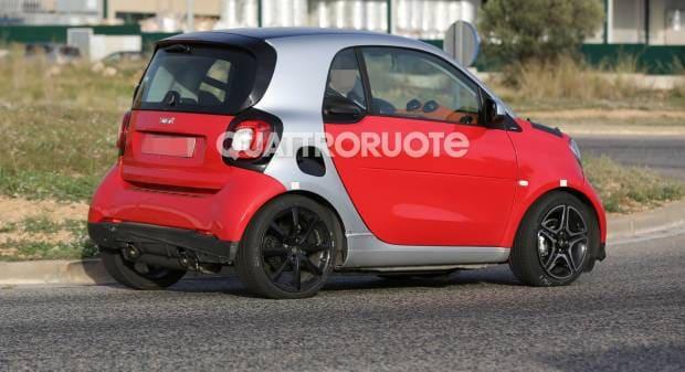 Smart Fortwo La versione Brabus debutta su strada