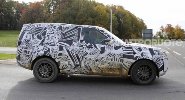 Land Rover Discovery Primi test per la quinta generazione