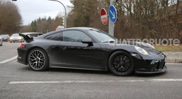 Porsche 911 GT3 Al via i test per il restyling
