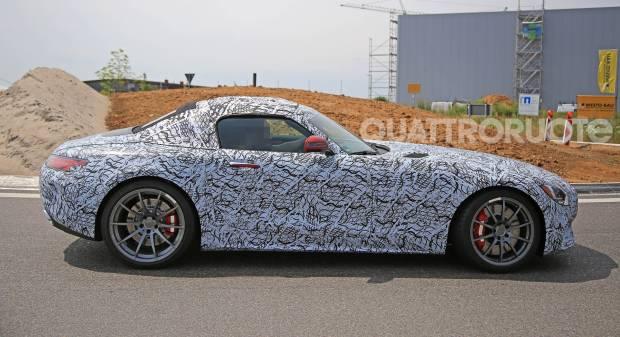 Mercedes AMG Nuovi test per la GT Roadster