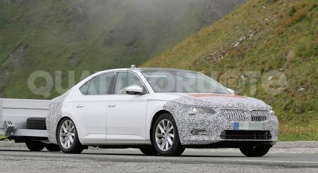Skoda Superb I primi test del restyling