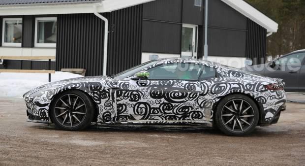 Nuovi test per DB11 e V8 Vantage
