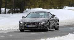 BMW i8 Spyder Su strada i muletti in versione definitiva