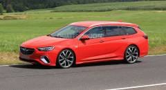 Opel Insignia Test su strada per la GSi Sports Tourer