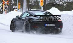 Test invernali per la nuova GT4