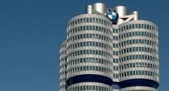 Gruppo BMW Utili in crescita e un futuro green con X3 e Mini EV e otto ibride plug-in