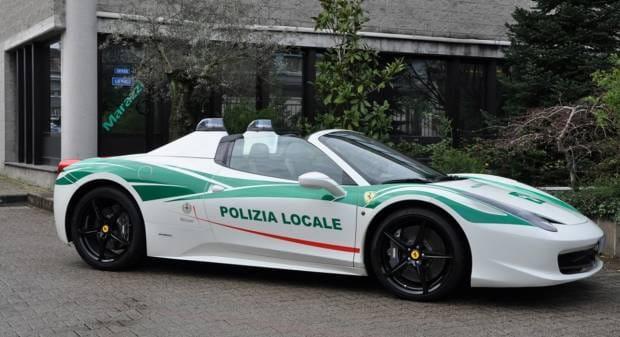 Sequestrata alla mafia Una Ferrari spider per i ghisa