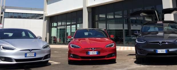 Tesla Inaugurato il primo centro assistenza italiano