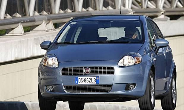 UNA COPPIA FENOMENALE - Prova e Opinioni - 207 E Fiat Punto ... on fiat seicento, fiat x1/9, fiat multipla, fiat cinquecento, fiat 500 abarth, fiat stilo, fiat ritmo, fiat linea, fiat cars, fiat bravo, fiat barchetta, fiat coupe, fiat spider, fiat marea, fiat 500 turbo, fiat 500l, fiat doblo, fiat panda,