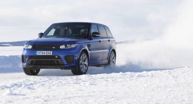 Range Rover Sport SVR In pista sul ghiaccio di... Silverstone