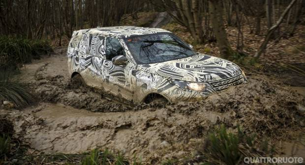 Land Rover Discovery Nuovi teaser in attesa di Parigi - VIDEO