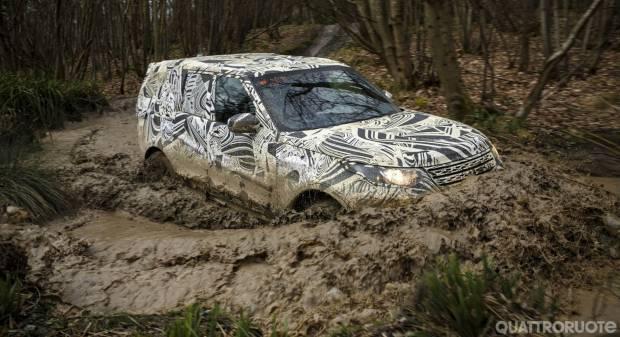 Land Rover Discovery Nuovi teaser in attesa di Parigi - VIDEO