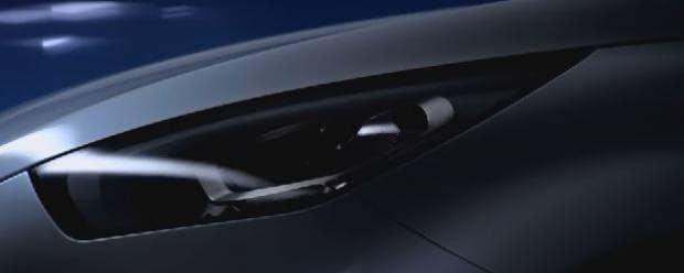 Mercedes-Benz Un teaser anticipa il nuovo pick-up - VIDEO