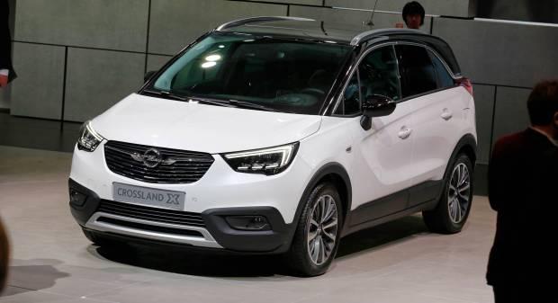 Opel Crossland X e Insignia allo stand di Ginevra - VIDEO