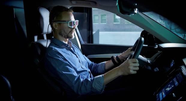 Volvo Nuovo video teaser della XC40