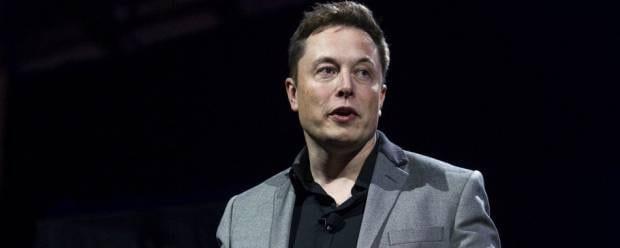 Tesla Musk: Un nuovo sistema per la guida completamente autonoma - VIDEO