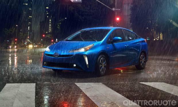 Toyota Prius A Los Angeles il restyling e la versione AWD-e