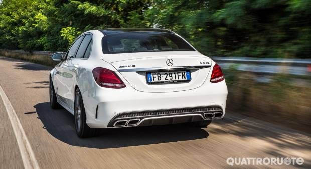 Director's cut: Mercedes C 63 AMG S - VIDEO