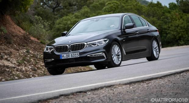 BMW Serie 5 Al volante di 540i e 530d xDrive