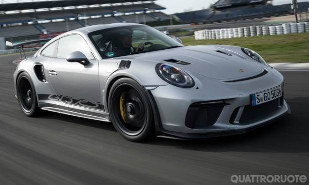 Al volante della 911 GT3 RS - VIDEO