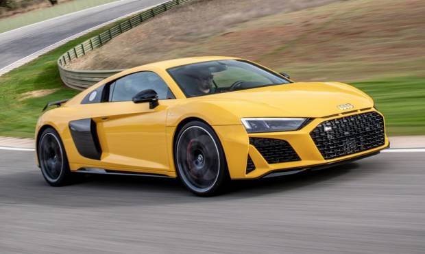 Al volante della R8 restyling - VIDEO