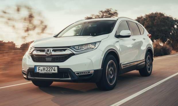 Al volante della CR-V Hybrid