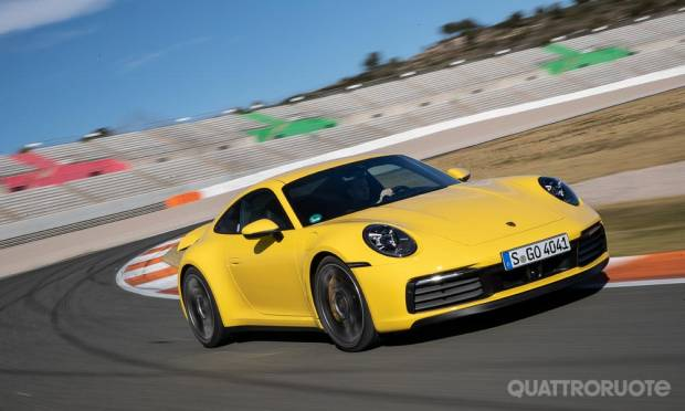 Al volante della 992 Carrera 4S - VIDEO