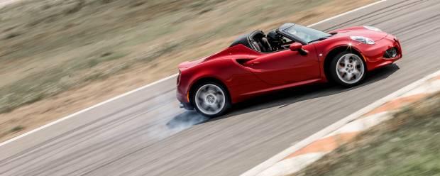 Alfa Romeo 4C In pista con la 1.750 TBi Spider