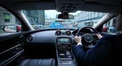 Montanti trasparenti e sistema di guida