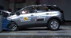 Cinque stelle a Mercedes Classe E e Peugeot 3008 - VIDEO