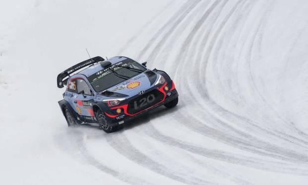 Neuville e la Hyundai vincono in Svezia
