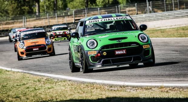 Motorsport in formato Mini - VIDEO