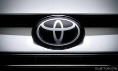 Anche la Toyota ferma i test