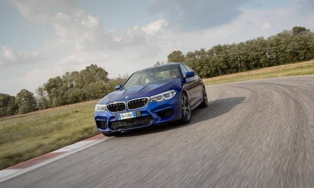 BMW M5 Il giro di pista a Vairano - VIDEO