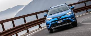 Toyota RAV4 La prova della 2.5 Hybrid 4WD Lounge - VIDEO