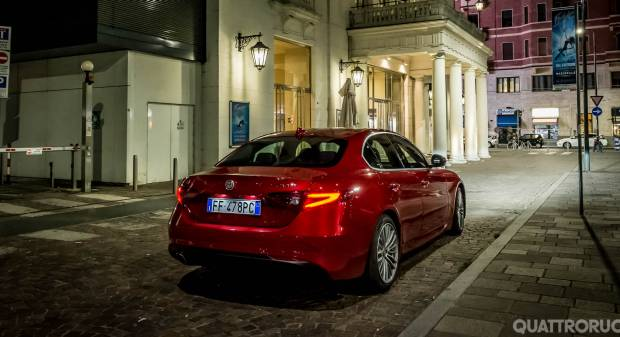 Alfa Romeo Giulia La prova della 2.0 Turbo Super - VIDEO