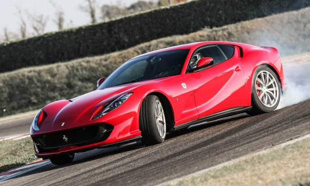 Ferrari La prova della 812 Superfast - VIDEO