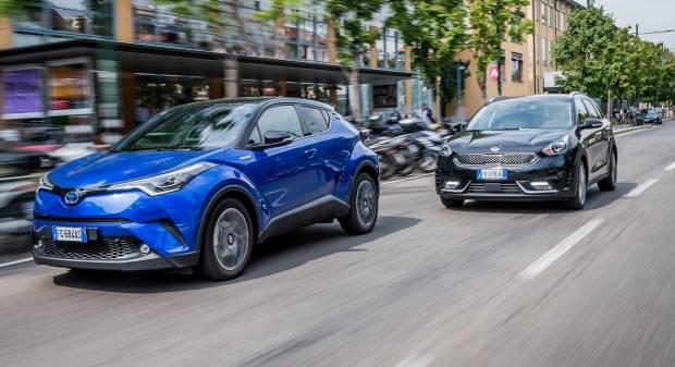Kia Niro vs Toyota C-HR Coreana e giapponese, è sfida tra ibride