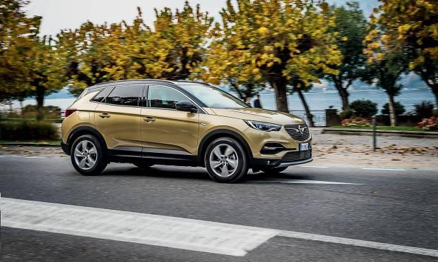 Su QSuv&Crossover La prova della Opel Grandland X
