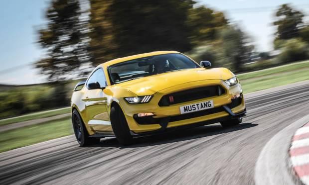 Sul numero di novembre La prova della Ford Mustang Shelby GT350R