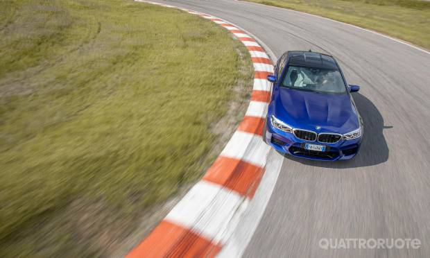 BMW  La prova della M5