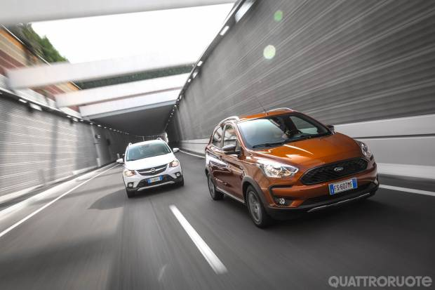 Sul numero di novembre Il confronto tra la Ford Ka+ Active e l'Opel Karl Rocks