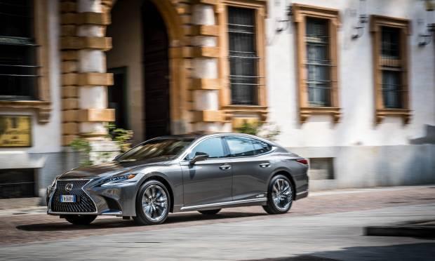 Lexus La prova della LS Hybrid Luxury