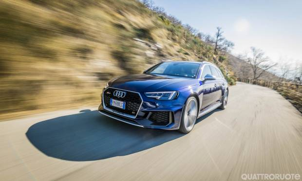 Audi La prova dell'RS4 Avant - VIDEO