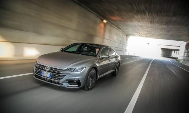 Sul numero di febbraio La prova della Volkswagen Arteon 2.0 BITDI