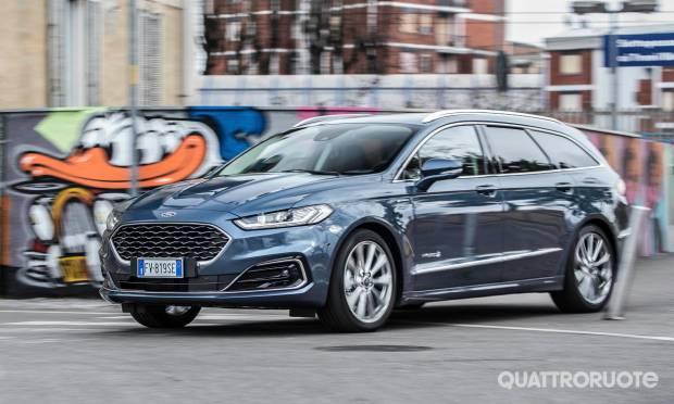 Q Hybrid La prova della Ford Mondeo 2.0 Hybrid e-Cvt SW Vignale