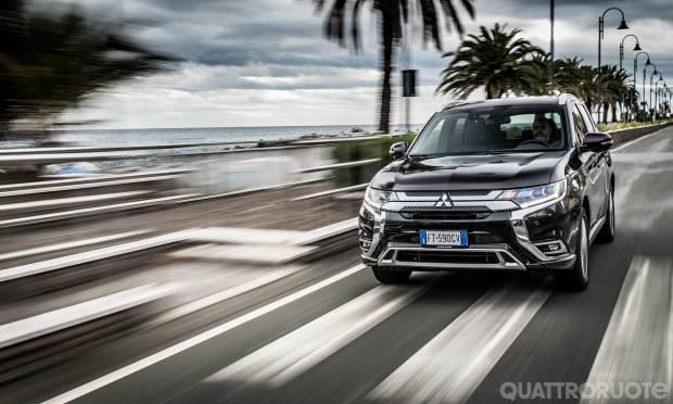 Sul numero di febbraio La prova della Mitsubishi Outlander Phev